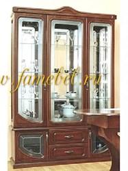 МДФ 1 витрина трёхдверная, стеклополки, зеркало.