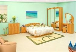 Спальня Светлана 2 с трехдверным шкафом купе